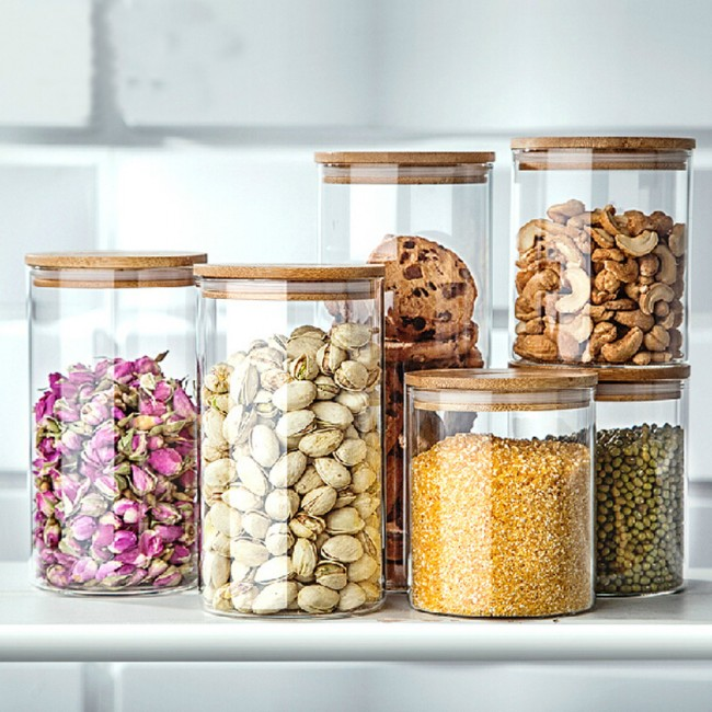 """Храните крупы и муку в герметичных контейнерах (со специальной пометкой """"для пищевых продуктов"""")"""