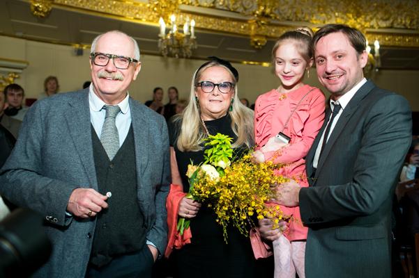 https://obaldela.ru/wp-content/uploads/2018/06/20130313_Mikhalkov_100_let_14.jpg