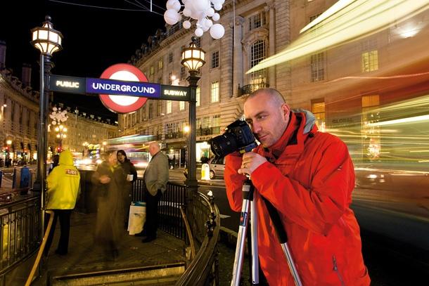 http://lightroom.ru/uploads/posts/2011-12/1323935728_night-photography-tips-tripod.jpg